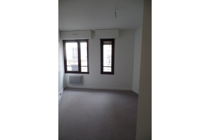 Location appartement 4 pièces 96m² - 661