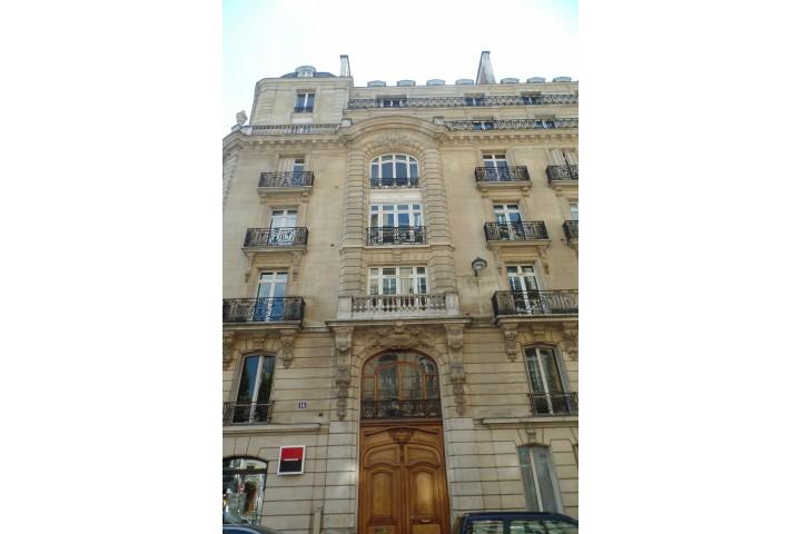Location appartement 3 pièces 78m² - 769