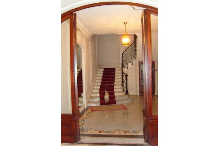 Location appartement 3 pièces 78m² - 768