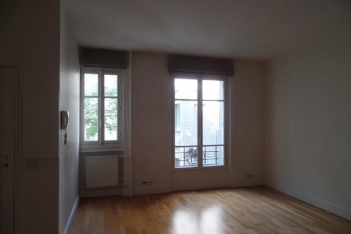 Location appartement 2 pièces 50m² - 212