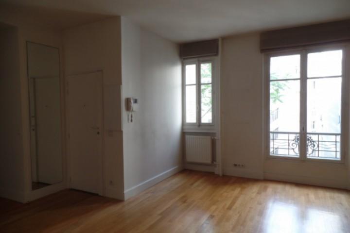 Location appartement 2 pièces 50m² - 215