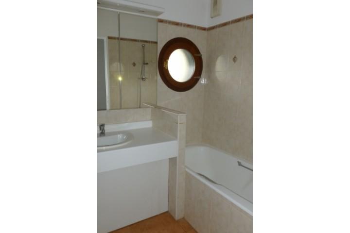 Location appartement 4 pièces 107m² - 1170