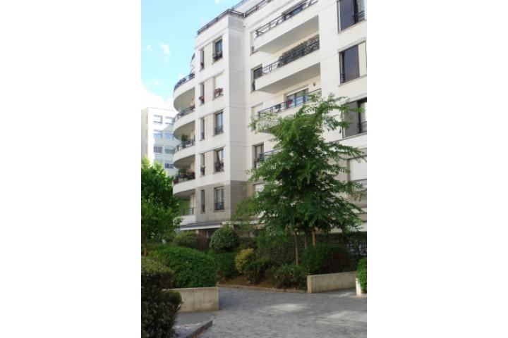 Location appartement 5 pièces 108m² - 1305