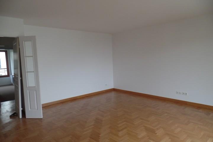 Location appartement 5 pièces 108m² - 1409