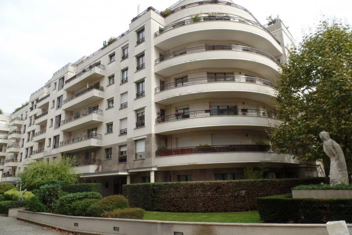 Location appartement 4 pièces 97m² - 1551