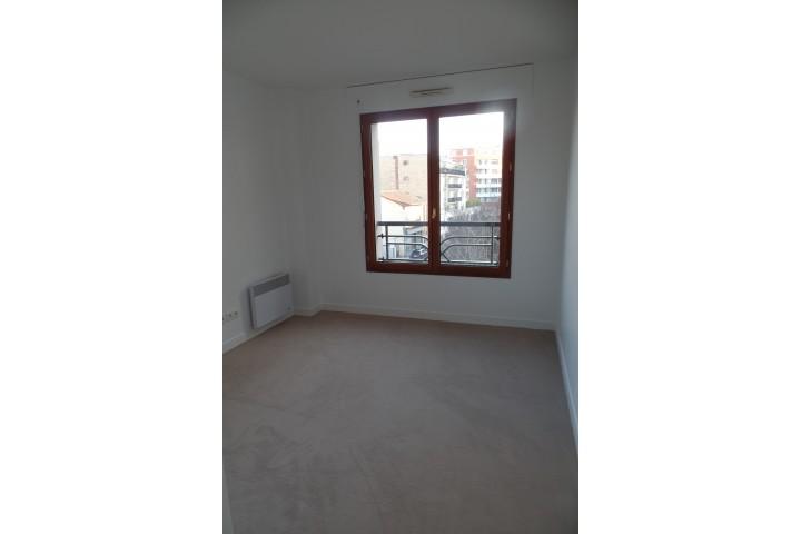 Location appartement 4 pièces 97m² - 1599