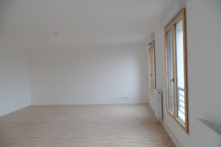 Location appartement 3 pièces 74m² - 1667