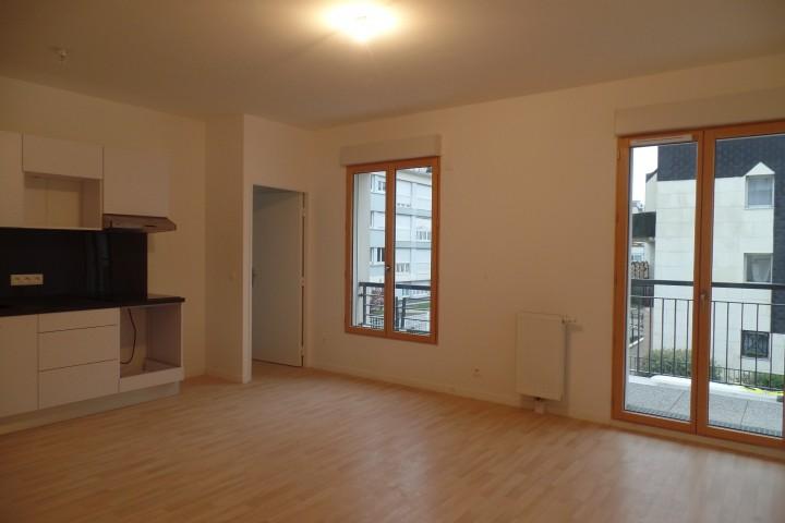 Location appartement 4 pièces 81m² - 1715