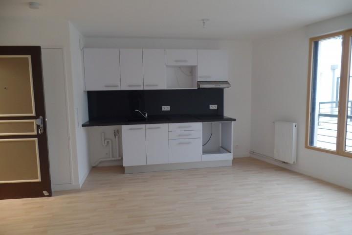 Location appartement 3 pièces 61m² - 1775