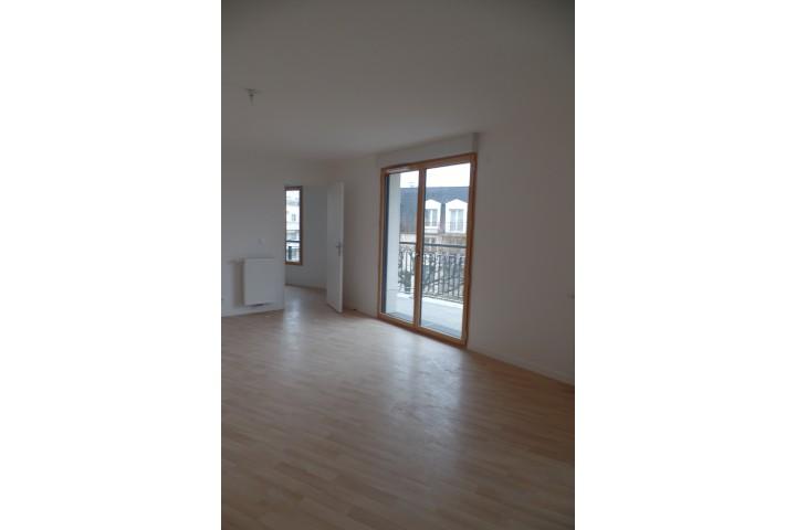 Location appartement 4 pièces 86m² - 1800
