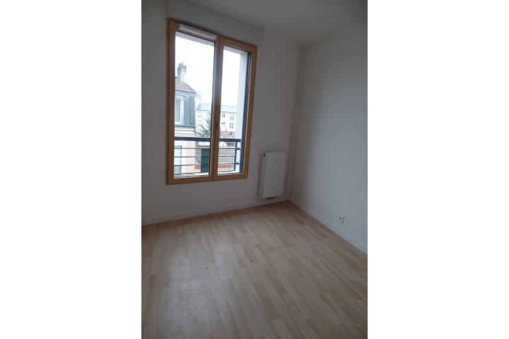 Location appartement 4 pièces 86m² - 1799