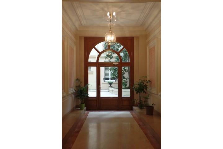 Location appartement 4 pièces 96m² - 1890