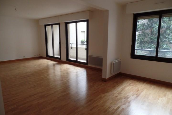 Location appartement 4 pièces 96m² - 657