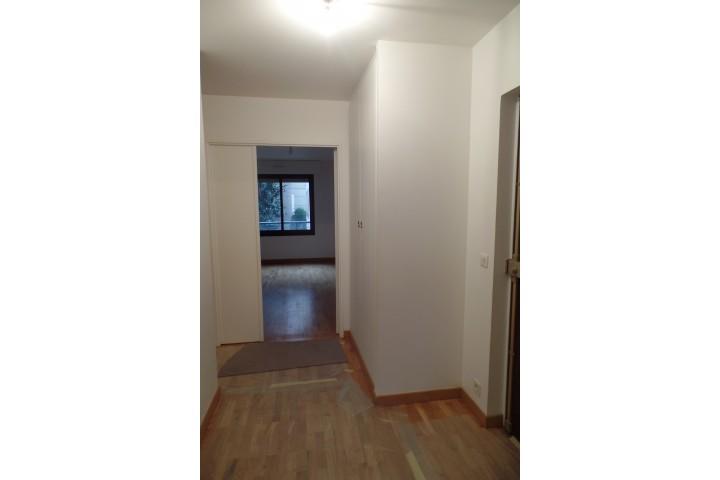 Location appartement 4 pièces 96m² - 662