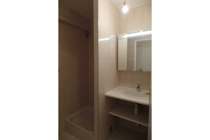 Location appartement 4 pièces 96m² - 664