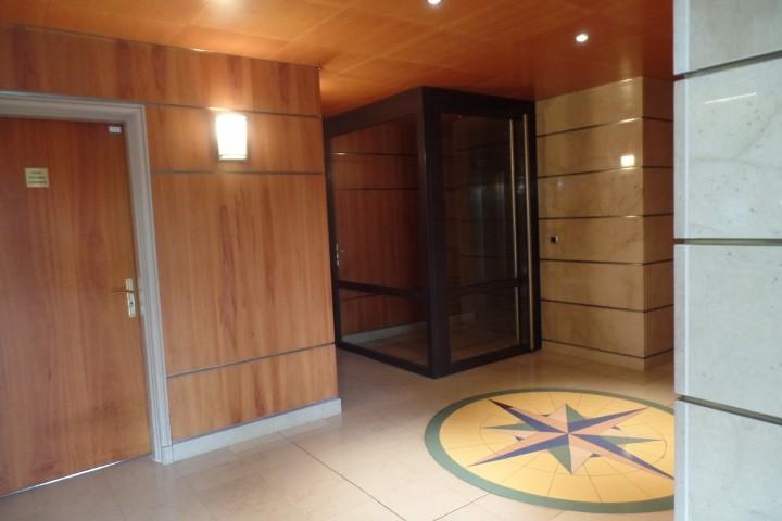 Location appartement 4 pièces 81m² - 549