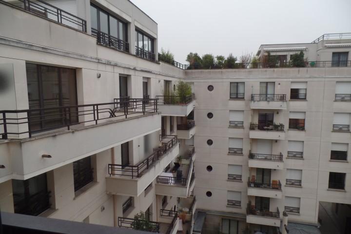 Location appartement 4 pièces 81m² - 554