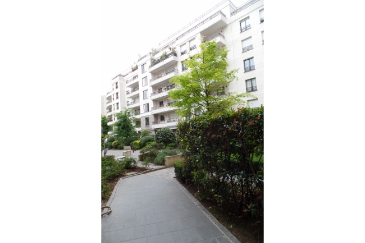 Location appartement 2 pièces 54m² - 725