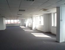 Location Bureaux 1177 m²