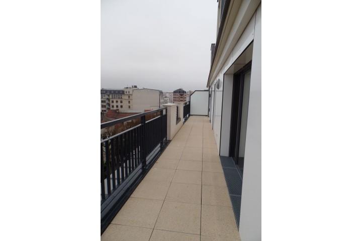 Location appartement 6 pièces 130m² - 1735