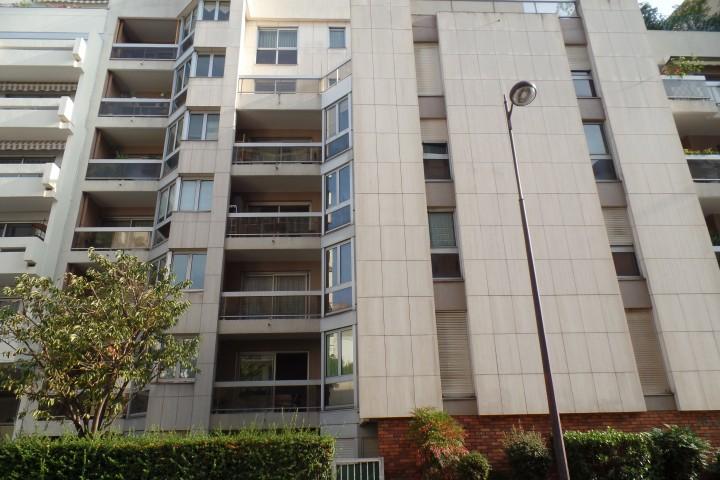 Location appartement 2 pièces 53m² - 486