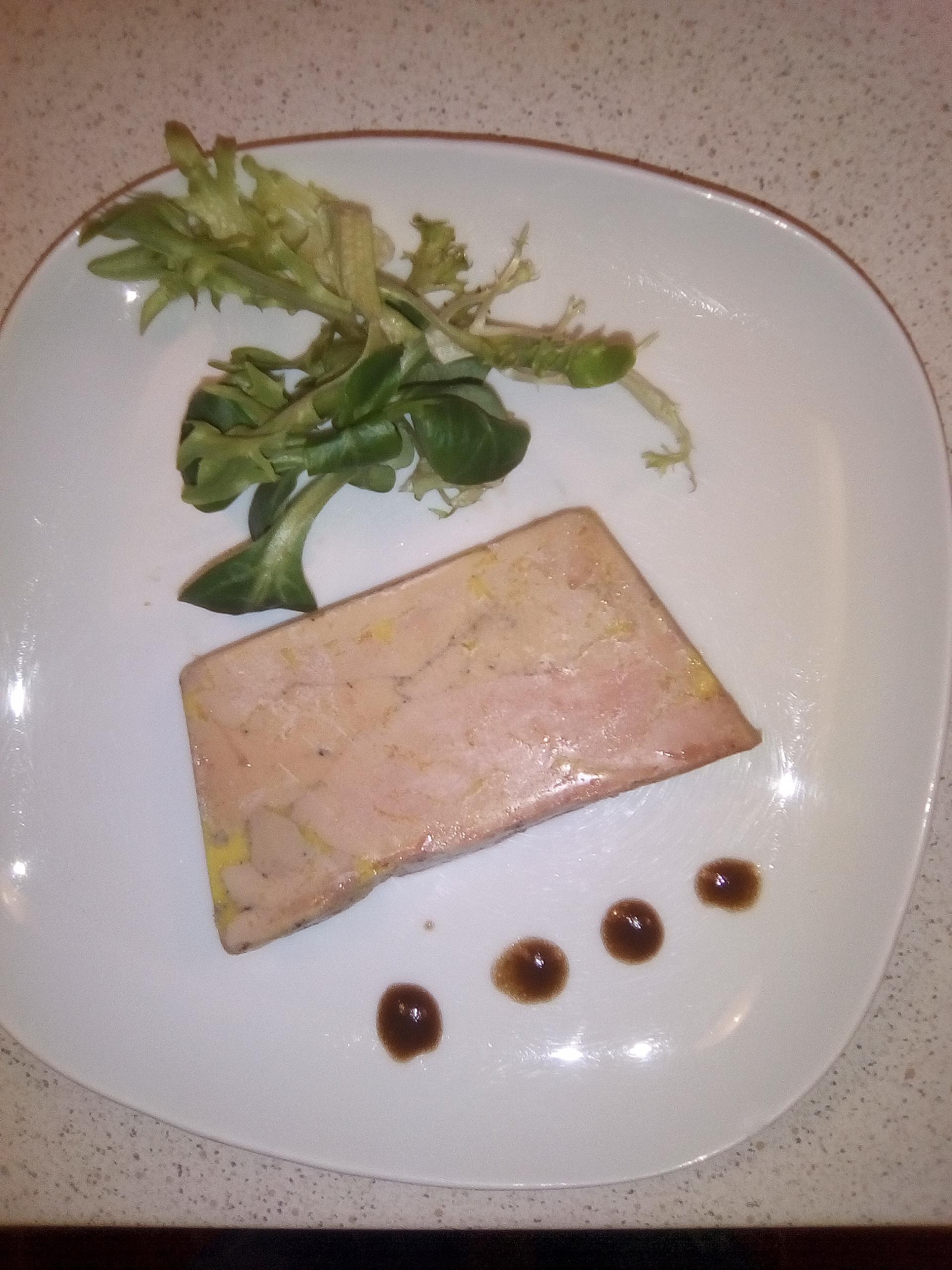 Terrine de foie gras de canard (mi-cuit)