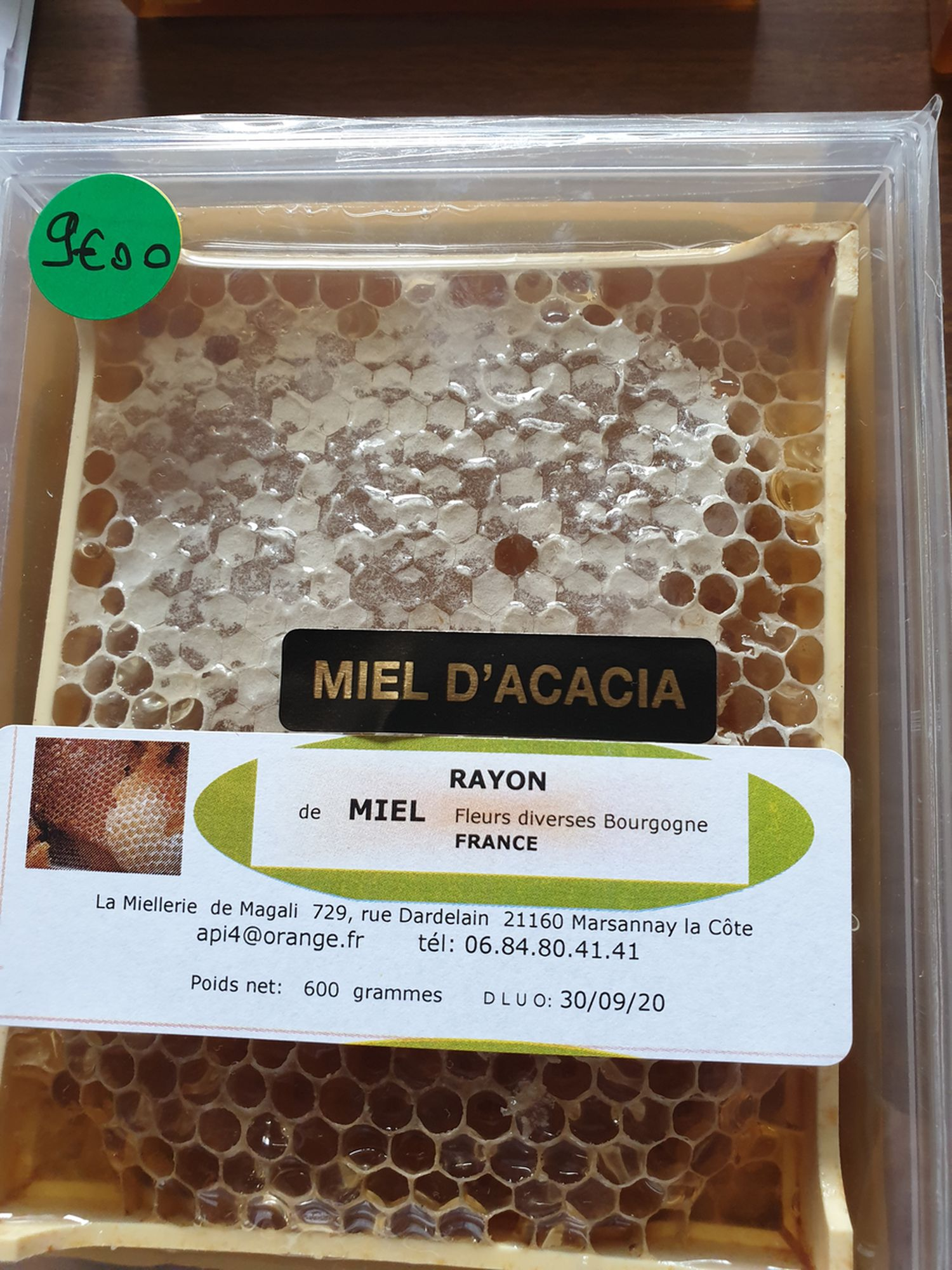 miel en rayon acacia