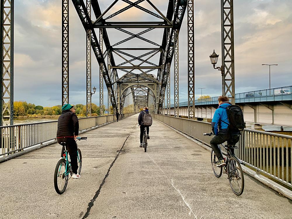 Neben einer selbstorganisierten Fahrradreparatur organisiert das BikeDock-Team Fahrradausflüge in der Umgebung von Harburg