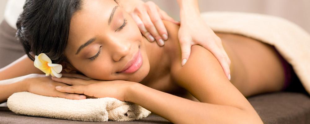Aux soins de Gaya: bons cadeaux: massage aux pierres chaudes à 40 euros